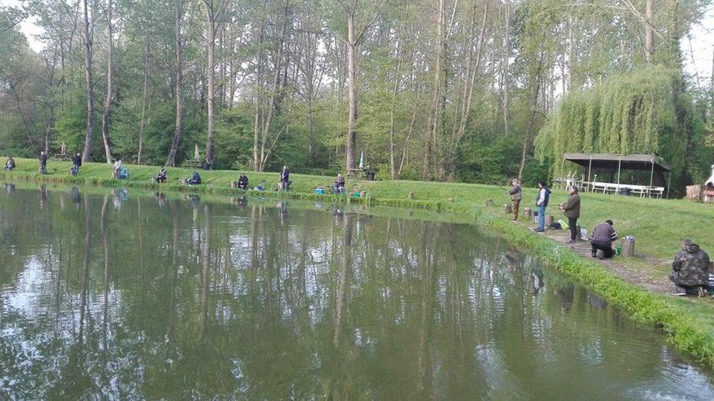 Au Petit Pêcheur du Moulin Plateau est le meilleur endroit près de Saint-Germain-des-Prés pour aller à la pêche